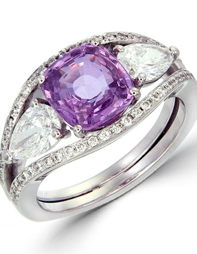 Unheated Pink Sapphire ring, cushion, 2.04 cts, Diamonds pear shape E VVS2, 0.74 ct, Diamonds F VVS..VS, 0.18 ct